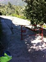 Rampe béton avec barrières de sécurité